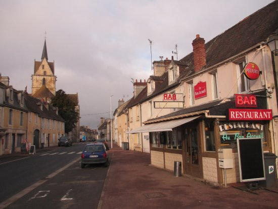 Falaise, Frankrike: Good Out of Town Pizza Restaurant