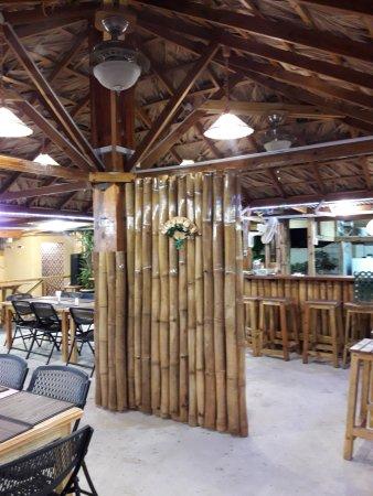 Mount Irvine, Tobago: Bamboo Decor