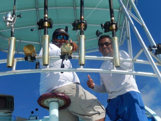 Aguila de Osa Inn: captain Danar and 1st mate Dennis