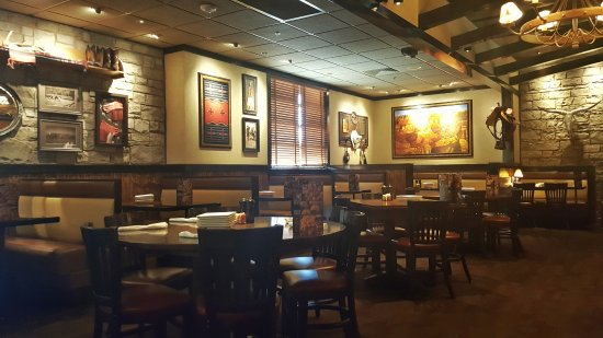 LongHorn Steakhouse: Dining Room