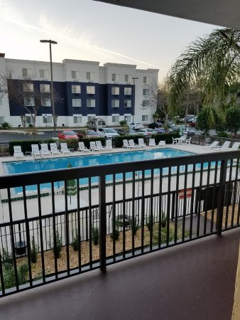 Ramada Altamonte Springs: Pool view from 2nd floor