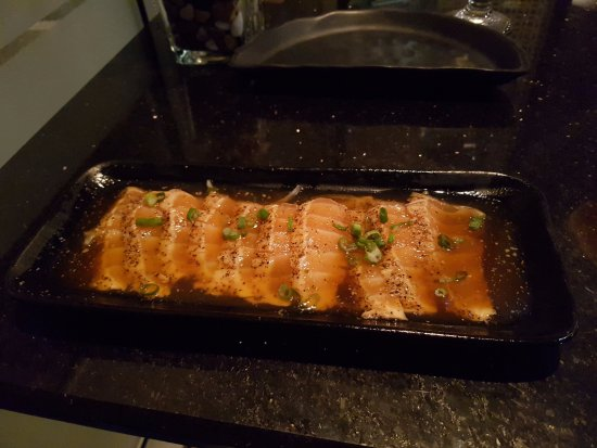 Sherwood Park, Canadá: black pepper salmon tataki