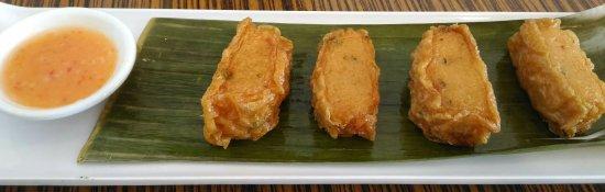 Richmond Hill, Canadá: Fried fish roll