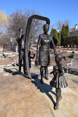 Edina, MN: Interesting sculptures