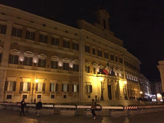 Palazzo montecitorio roma picture of palazzo for Camera dei deputati