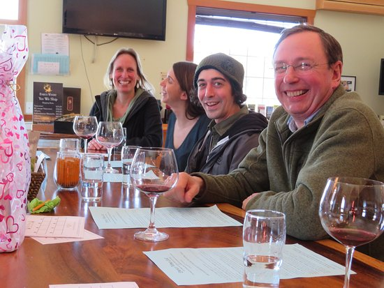 Cowichan Bay, Канада: Enrico winery tasting room.