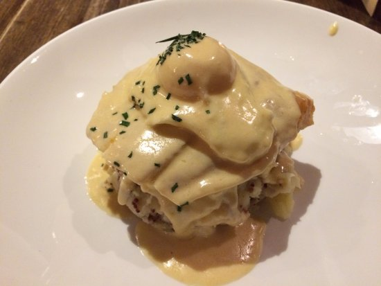 Tarvin, UK: Smoked haddock witha poached egg and mustard mash