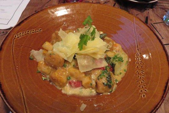 Katikati, Νέα Ζηλανδία: Best vegetarian gnocchi with parmesan, tomato, zucchini, and pumpkin