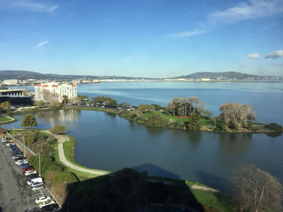 Burlingame, CA: Amazing sightseeing from my room located on the 14th floor.