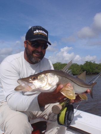 Güney Miami, FL: Shallow water Snook fishing has got to be one of Capt.Mark's favorite targets.