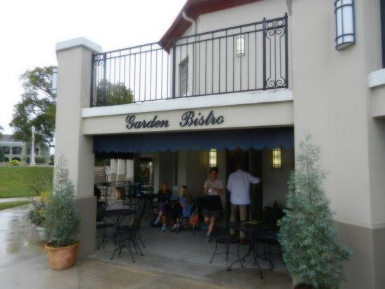 Park side entrance to Garden Bistro