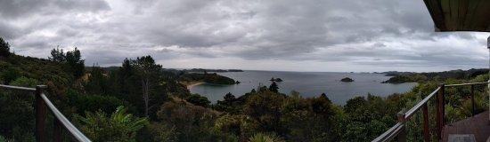 Te Ngaere, Nova Zelândia: Panoramic view from the main lodge balcony.