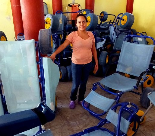 La Quinta Gran Bahia Cuastecomates: Selection of floating wheelchairs available in town for token fee