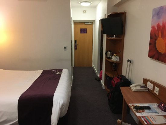 Premier Inn London Kensington Earl S Court Hotel Pictures From Family Room And