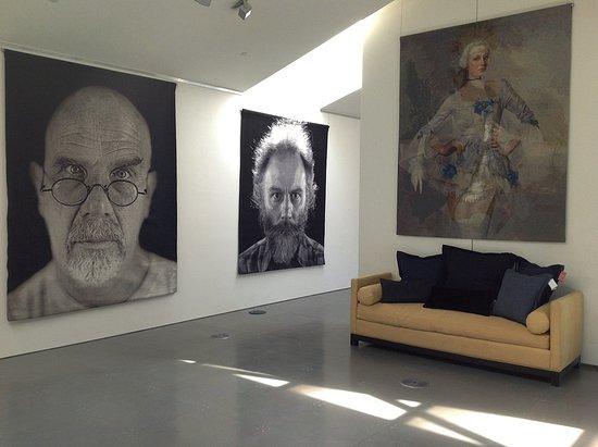 Geyserville, Californië: Chuck Close, Self Portrait & Portrait of Lucas Samaras, Deborah Oropallo Tapestry