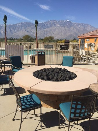 Cathedral City, CA: Fire Pit Area