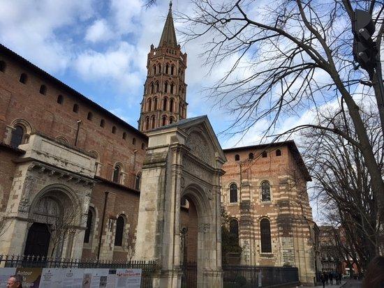 Basilique Saint-Sernin : St-Sernin , TOULOUSE .