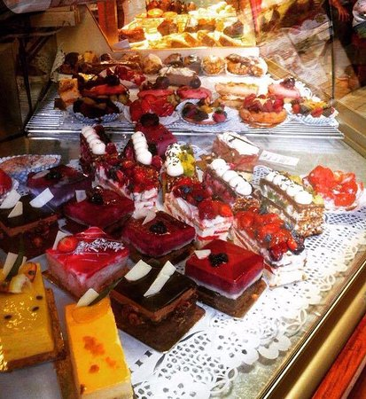 Petit Delice : Some of the scrumptious treats.