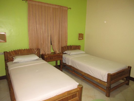 Malapascua Exotic Island Dive & Beach Resort: 部屋はとてもシンプルです