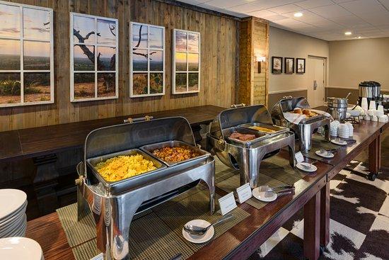 Boerne, Τέξας: Bluffs Foyer - Buffet setup