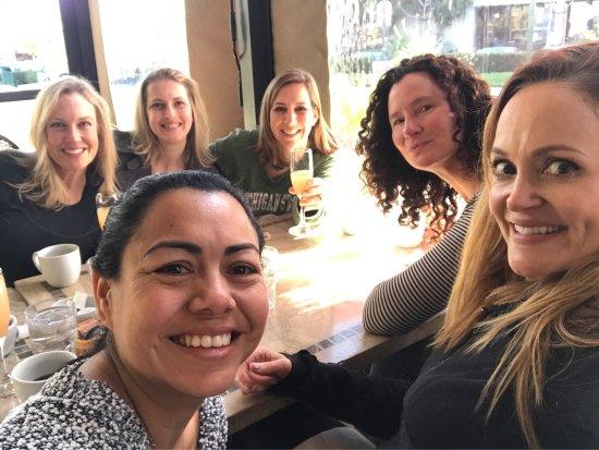 Pleasant Hill, Kalifornien: Six people were happy with their brekkies