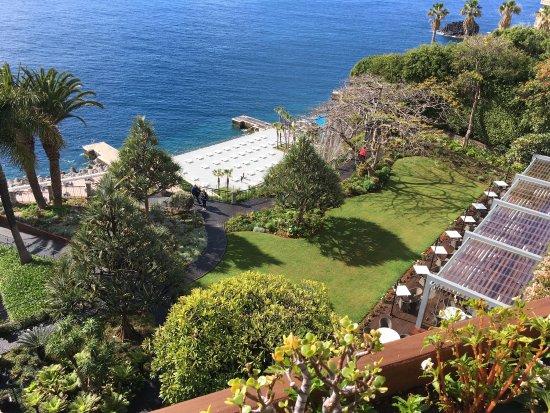 崖壁海灣大飯店照片