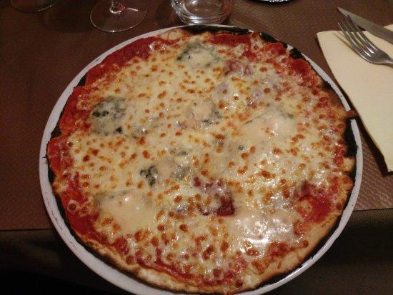 Balaruc-le-Vieux, France : pizza