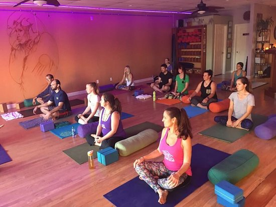 Indialantic, FL: Thee House of Yoga