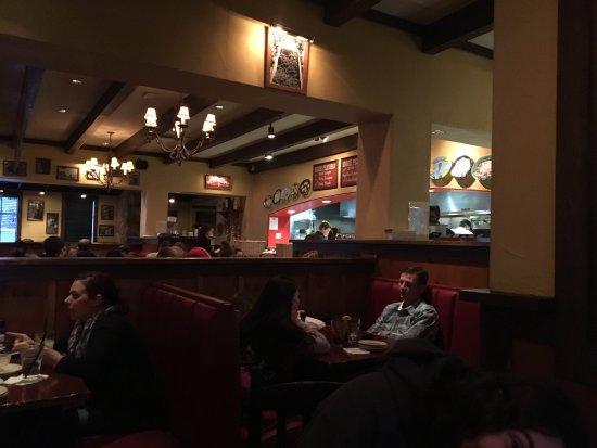 Muncie, IN: Busy Saturday night, great food