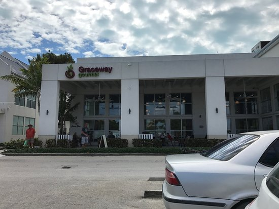 The Tuscany: Graceway Supermarket in town