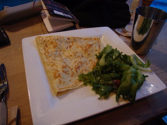 Montpelier, VT: Apple and Brie Pancake comes with a nice Salad.