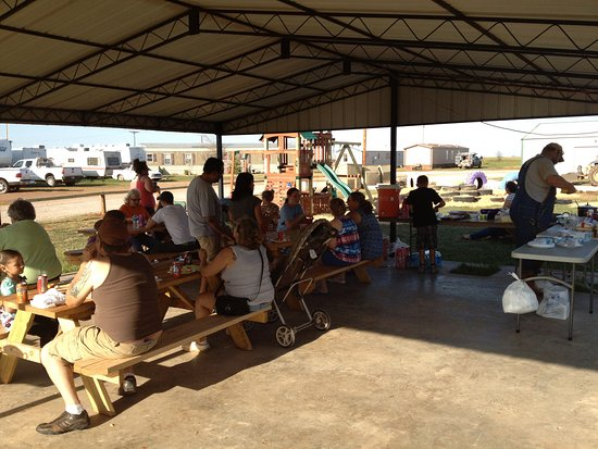 Elk City, OK: Our RV Park and Mobile Home Park picnic pavilion.  Located next to the playground.
