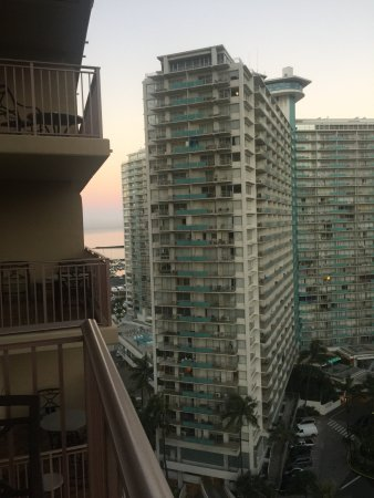 Grand Waikikian by Hilton Grand Vacations: Partial Ocean View??