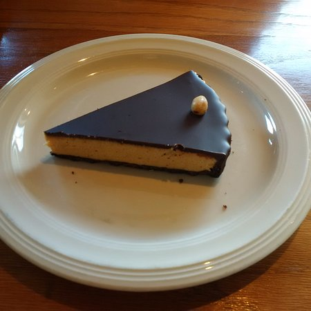 Cafe Europa: Chocolate-peanut butter tart.