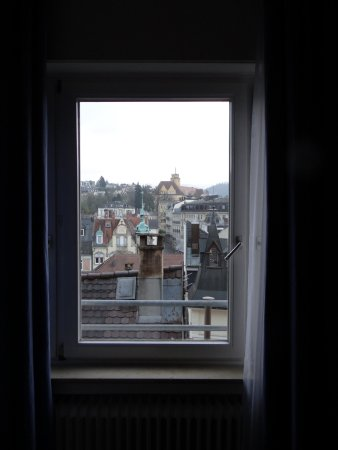 Hotel Am Markt: window in room