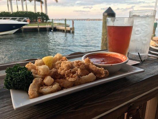 Jensen Beach, FL: Excellent Fried Calamari