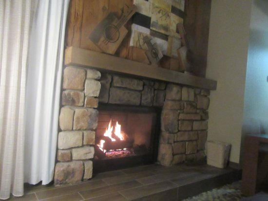 BEST WESTERN The Inn & Suites Pacific Grove : Nice Fireplace, , Best Western, Pacific Grove, Ca