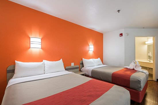Motel 6 Athens Photo