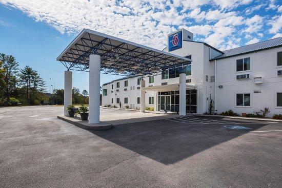 Entrance - Picture of Motel 6 Athens - Tripadvisor