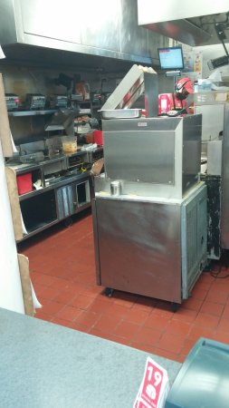 Lithonia, GA: Food sitting out, Headset where they place food orders, gresy floor