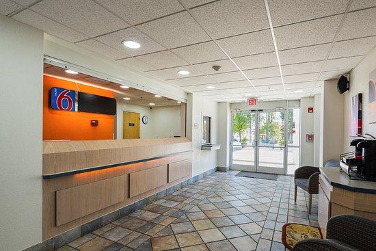 Motel 6 Athens Photo