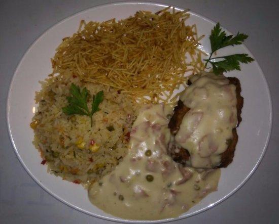 Boicucanga: arroz com frango recheado