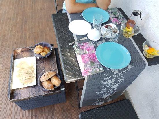 Arrondissement de Saint-Pierre, Ile de La Réunion : Le petit déjeuner