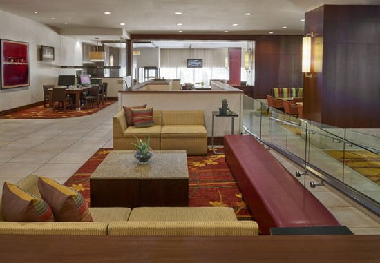 Ottawa Marriott Hotel : Our Ottawa hotel's inviting Lobby