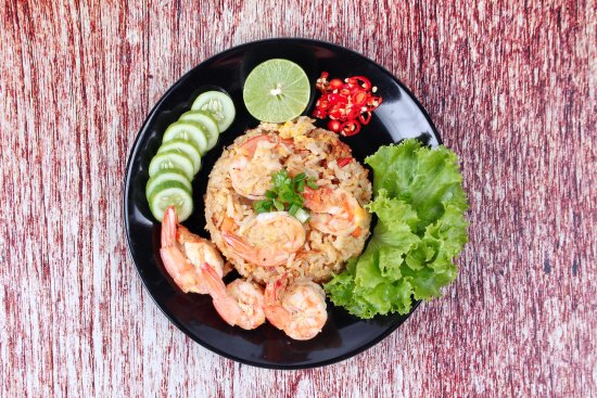 Bophut, Thailand: Thai fried rice with shrimps. Recipe on our Blog. InFusion Cooking Classes Koh Samui.