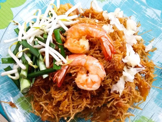 Bophut, Tayland: Sweet and sour crispy noodles. InFusion Cooking Classes Koh Samui. Recipe on our Blog