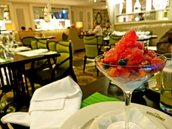 Victoria Park, Австралия: Summer berries dessert