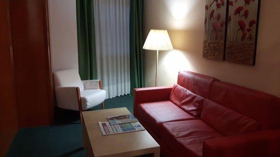 Acacia Suites Photo