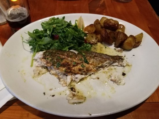 La Strada Ristorante Italiano: I should have taken the picture before I dived in. The Sea Bass was really great!