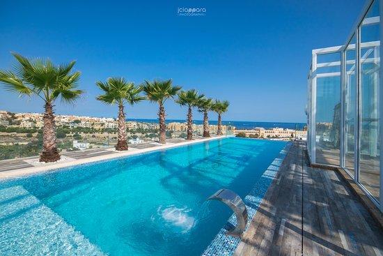 Hugo 39 s boutique hotel saint julian malte voir les for Boutique hotel malte